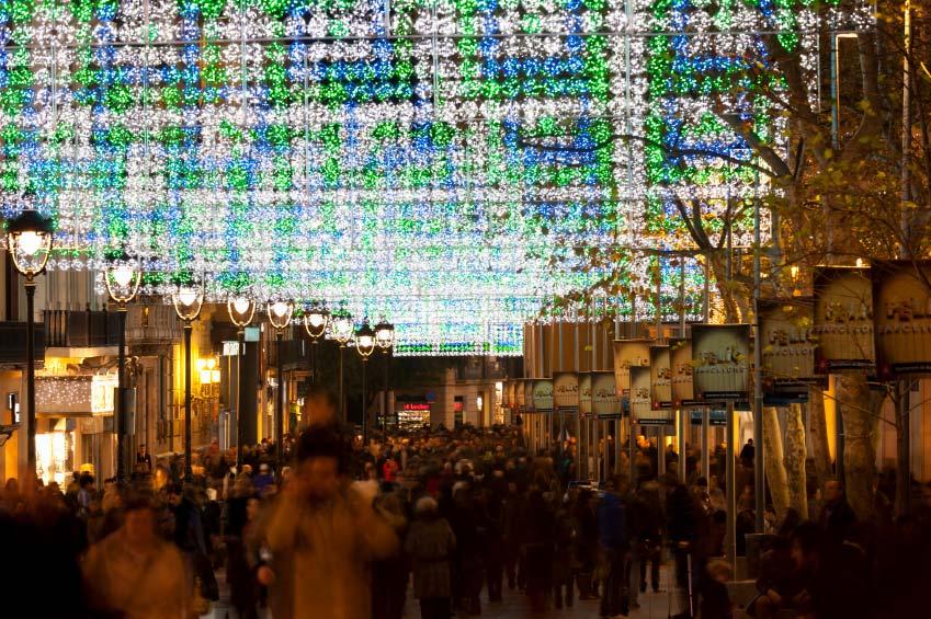 Barcelona Christmas shopping at night